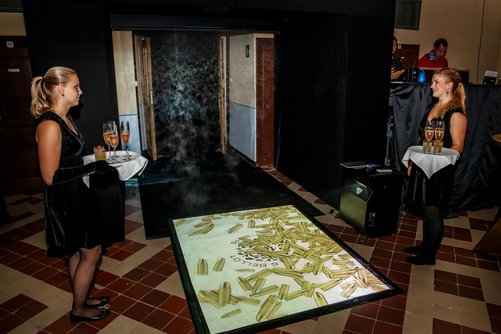 Interaktivní podlaha s vizuálním obsahem Event Interactive