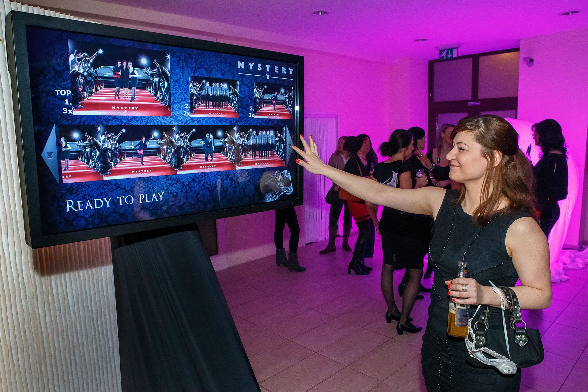 Touchscreen pro interaktivní prezentaci od Event Interactive