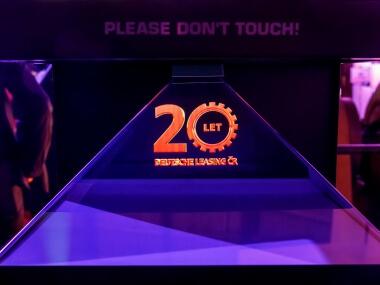 Holografický 3D stojan přitahuje pozornost Event Interactive